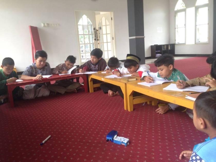 kegiatan-belajar-mengajar-di-rumah-tahfidz-akbar