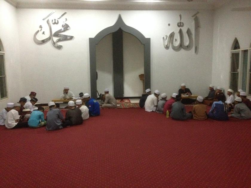 asyikya menghafal al-quran dengan suasana alam 2